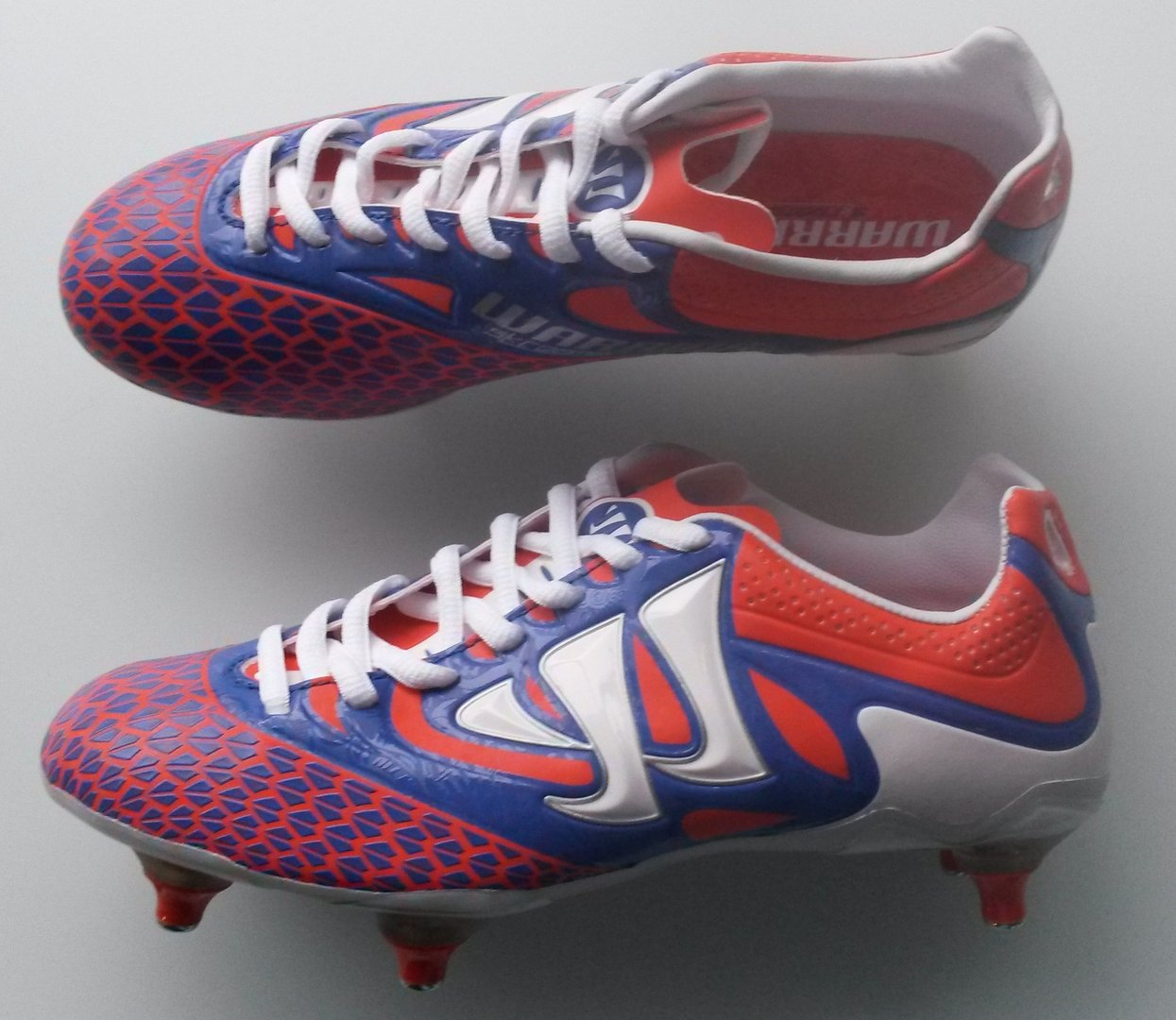 19dd01be77d3 (428) Warrior Skreamer football boots size 2 BNIB