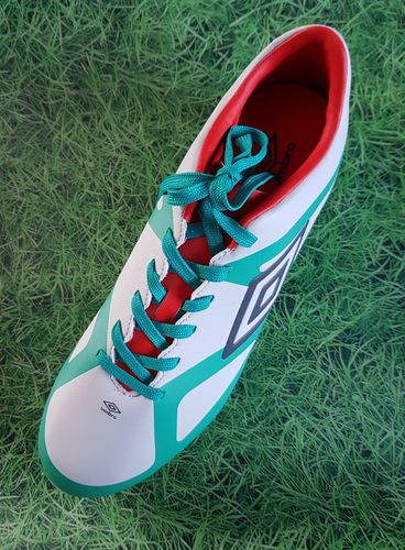 Umbro Velocita III Club HG Football boots
